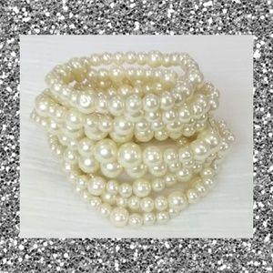 Jewelry - Banded pearl bracelet